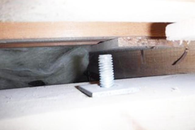 アンカーボルトの開放、ジャッキ設置